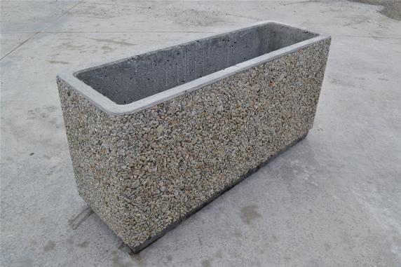 Listino prezzi fioriere in cemento terminali antivento for Listino prezzi vasi venini
